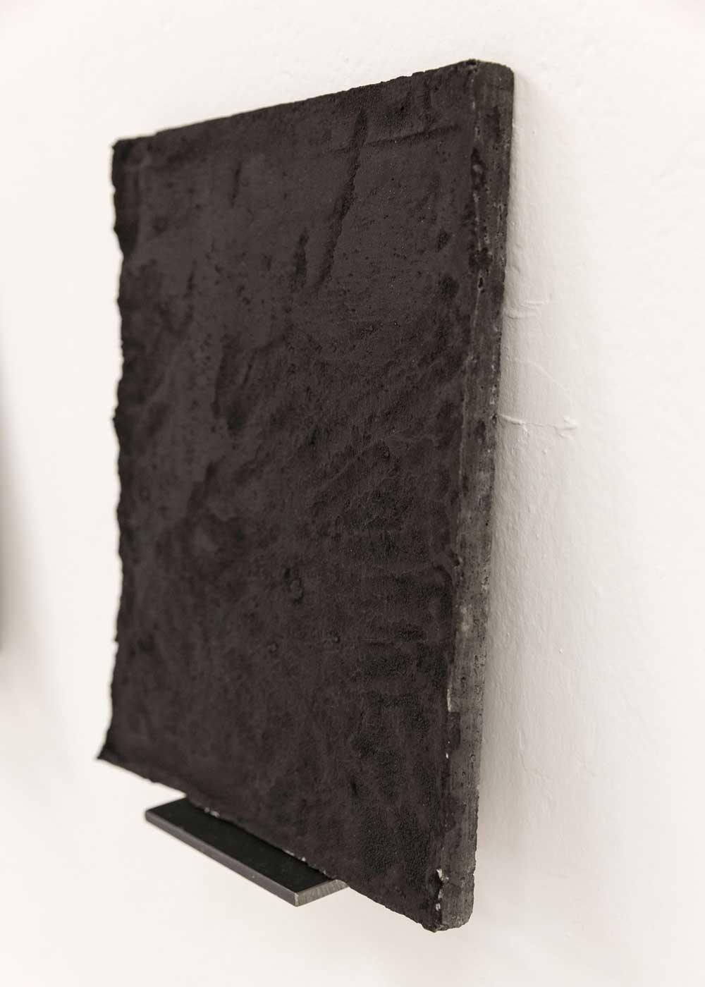 Luka-Jana-Berchtold_ConcreteDreams_black-III_02-c-Melanie-Schneider
