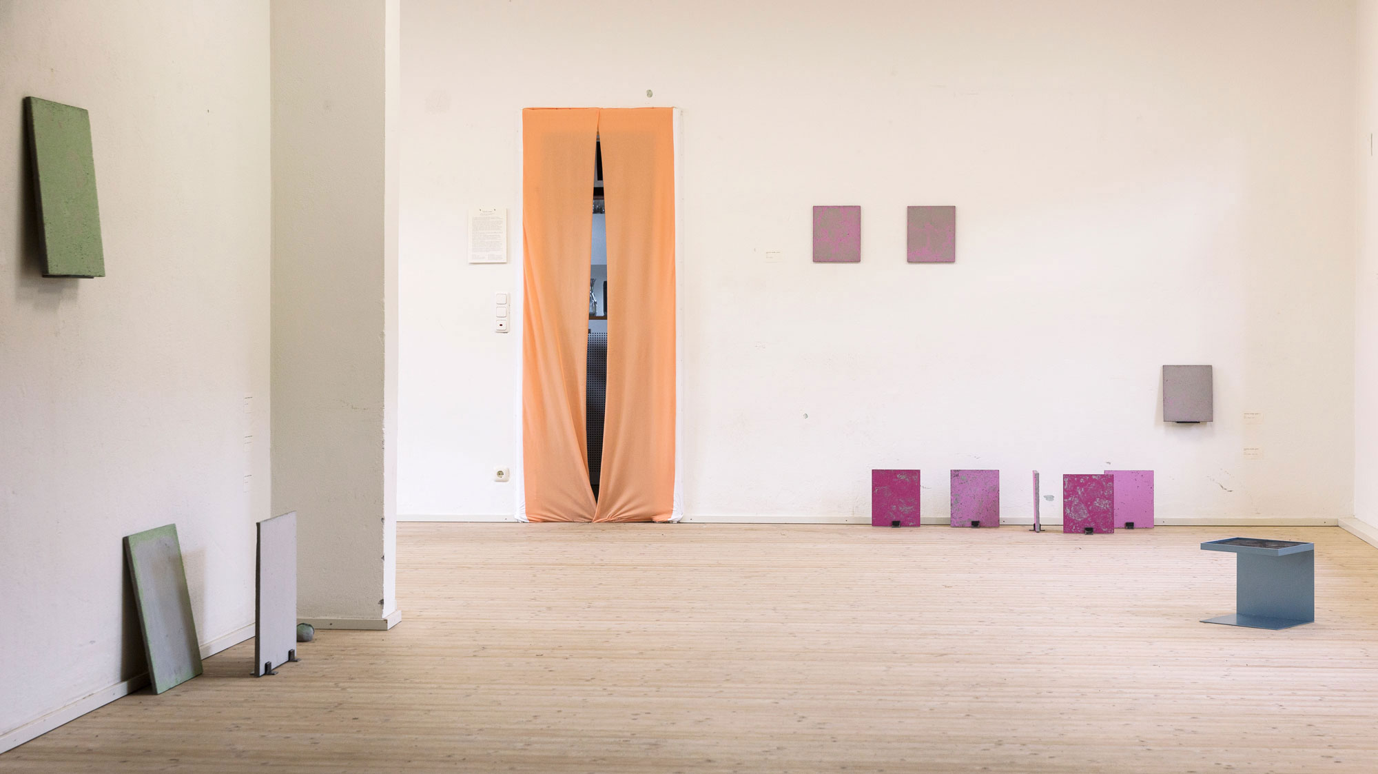 Luka-Jana-Berchtold_ConcreteDreams_exhibition-view-c-Melanie-Schneider